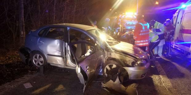 Crash à Anderlues: une ambulance victime d'un accident lors de l'intervention (PHOTOS) - La DH