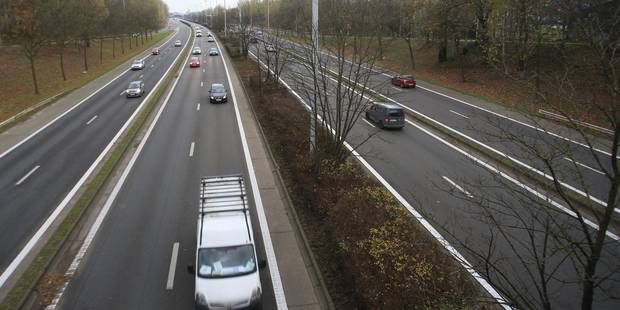 Terrible accident sur la E40 à Barchon: Un conducteur décédé après avoir percuté un poids-lourd - La DH