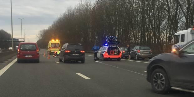 Accident sur l'autoroute à Walhain: plusieurs kilomètres de file - La DH