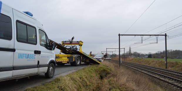 Béclers: Un accident de voiture perturbe le trafic ferroviaire sur la ligne Tournai-Leuze - La DH