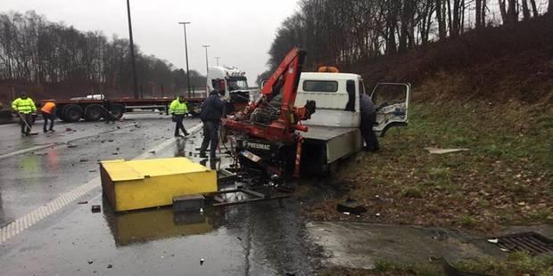 Fleurus: trois camions impliqués dans un accident sur l'E42 (PHOTOS) - La DH