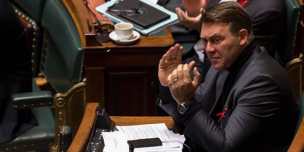 Le cdH demande un report du vote des Belges de l'étranger, le MR fulmine - La DH