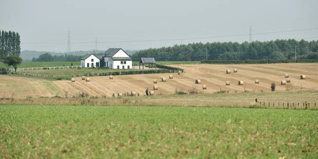 Le belge r ve toujours d 39 une maison avec jardin la - Acheter une serre de jardin en belgique ...