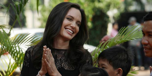 Angelina Jolie et ses enfants au Cambodge pour défendre son film - La DH