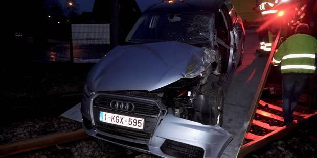 Villers-la-Ville: un train de marchandises percute une voiture... heureusement vide (PHOTOS) - La DH