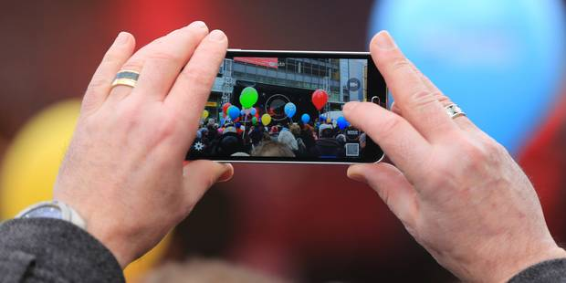 Le Belge de plus en plus friand de smartphones haut de gamme - La DH
