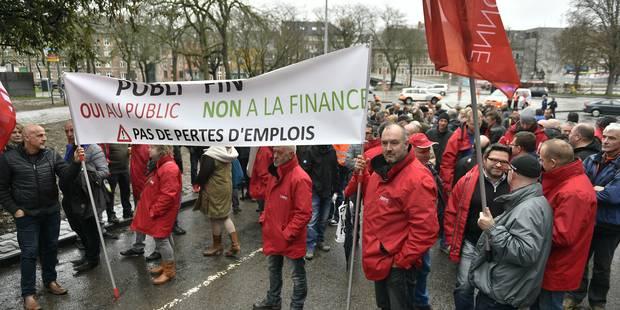 300 grévistes de Publifin se rendent à Namur pour l'audition d'André Gilles - La DH
