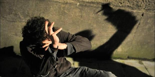Un homme tailladé à la gorge à Liège - La DH