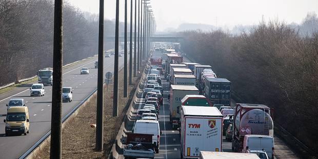 Printemps chargé sur les autoroutes dans les région de Mons et du Centre - La DH