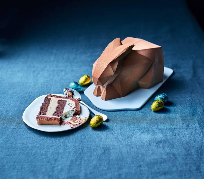 Un lapin façon origami pour  Picard. Choco-noisette.      6 parts, 14.95€ et 5.50€ pour deux petits lapins individuels.