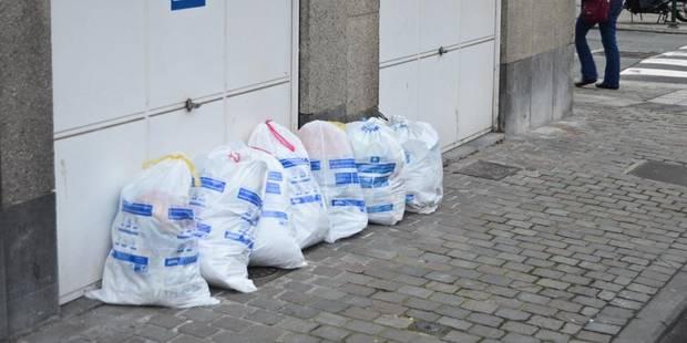 Bruxelles: Une pétition pour bannir les sacs-poubelles en rue - La DH
