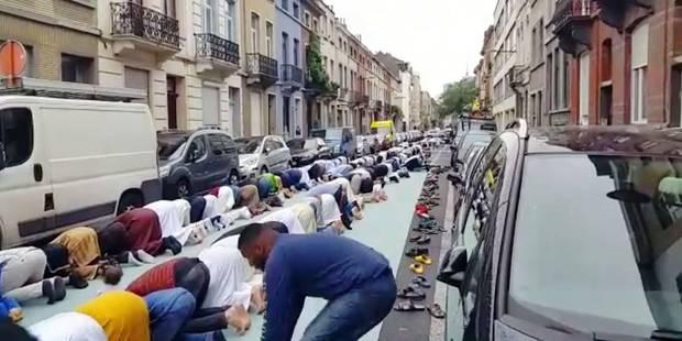 Schaerbeek: Une prière clandestine organisée dans la rue - La DH