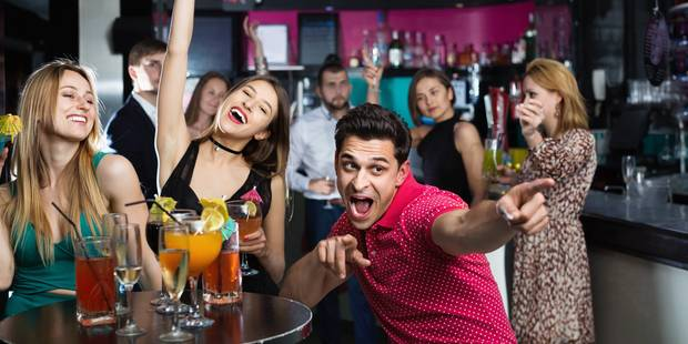 Inquiétant: on vend de l'alcool aux mineurs dans une fête sur 3 - La DH