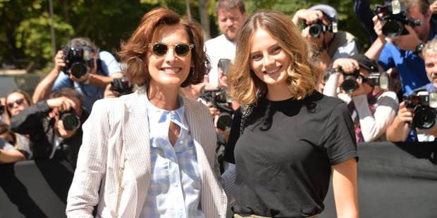 Violette d'Urso, la fille d'Inès de la Fressange, fait une entrée remarquée chez Chanel - La DH
