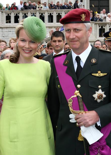 2008. Bain de foule lors de l'arrivée des princes au Te Deum à Bruxelles.
