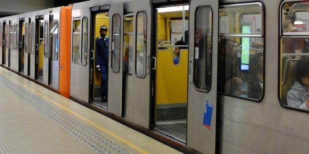Une personne fait une chute mortelle à la station de métro Saint-Guidon - La DH