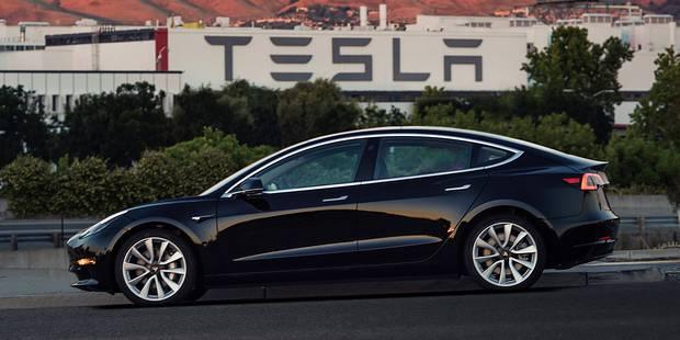 """Tesla joue son avenir avec la """"Model 3"""", sa voiture milieu de gamme - La DH"""