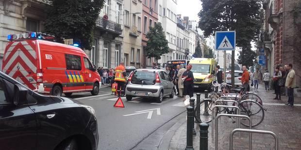 Ixelles: un piéton dans un état grave après avoir été renversé par une voiture - La DH
