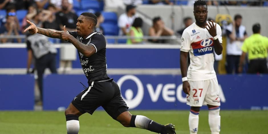 Fekir marque à 50 m du but adverse — Lyon