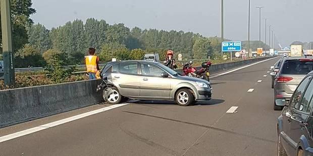 Accident sur la E19: trois véhicules impliqués - La DH