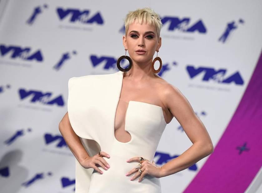 Elle portait une robe du couturier français Stéphane Rolland