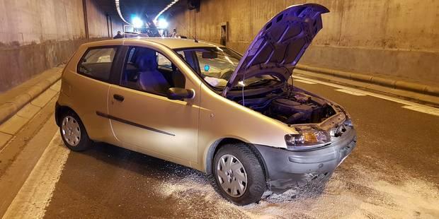 Deux voitures se percutent dans le tunnel - La DH