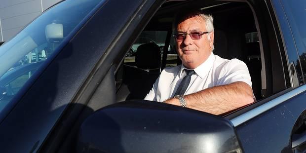 Ce chauffeur Uber vit un enfer: Il est menacé de mort et sa voiture est démolie - La DH
