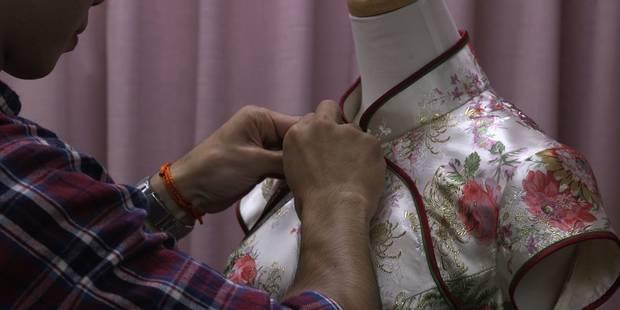 A Taïwan, des couturiers font vivre la traditionnelle robe qipao (VIDEO) - La DH