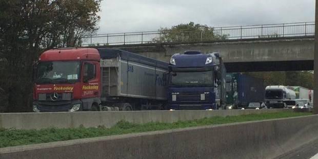 Un camion bloque la E19/E42 à hauteur de Saint-Ghislain - La DH