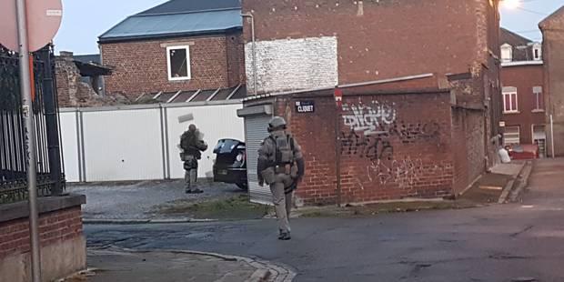 Policiers encagoulés près de Charleroi ce matin, des habitations perquisitionnées - La DH