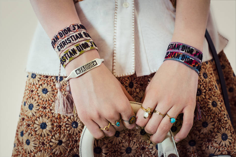 Bracelets en tissu Christian Dior, 195€ les deux