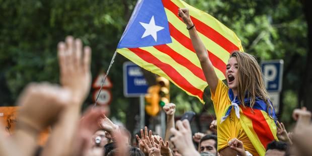 """45.000 personnes manifestent à Bruxelles en faveur de la Catalogne: """"On ne peut pas incarcérer tout un peuple"""" (PHOTOS e..."""