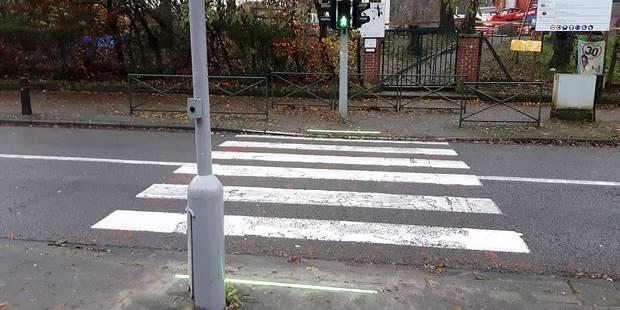 Woluwe-Saint-Pierre: Des feux de signalisation dans les trottoirs - La DH