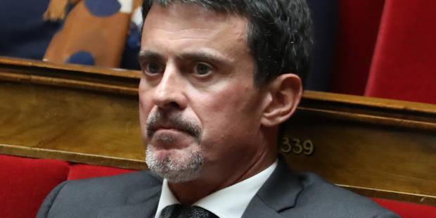 Manuel Valls n'apprécie pas que les Inrocks utilisent une photo de lui en train de boire un verre de vin pour illustrer ...