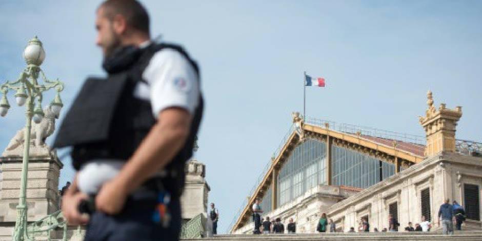 Deux élèves blessés à l'arme blanche dans un lycée — Marseille