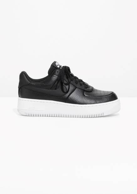 Nike Air Force 1 Upstep.       100 euros.