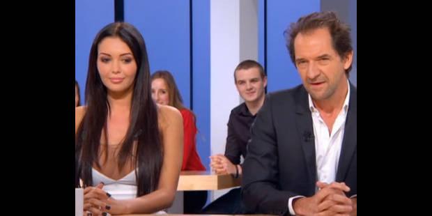 """Nabilla ne """"comprend rien"""" à l'humour de Stéphane De Groodt ! - La DH"""