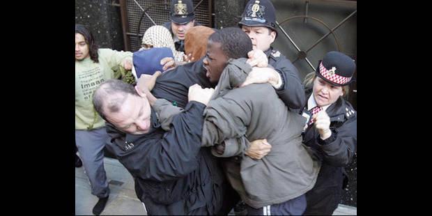 Londres: le MI5 a tenté de recruter un des suspects - La DH