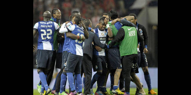 Les Belges à l'étranger: Defour bat Benfica et prend la tête du championnat - La DH