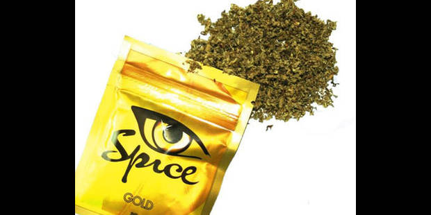 Vers l'interdiction des (il)legal highs