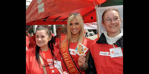 Miss Belgique, vendeuse pour la Croix-Rouge - La DH