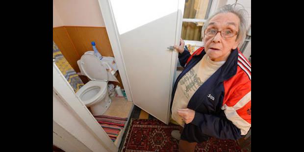 Ils vivent dans l'humidité et sans salle de bains - La DH