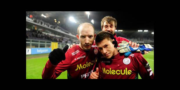 Zulte Waregem stoppe Anderlecht (0-1) et relance la course au titre - La DH