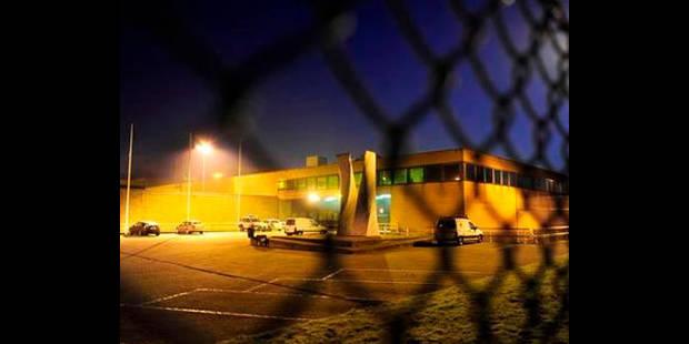 Une femme membre de la direction frappée à la prison de Bruges - La DH