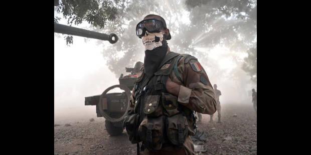 Mali: un soldat français crée le scandale à cause de son foulard à tête de mort - La DH