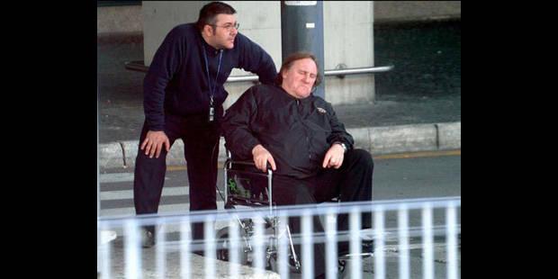 Depardieu apparaît... en chaise roulante - La DH