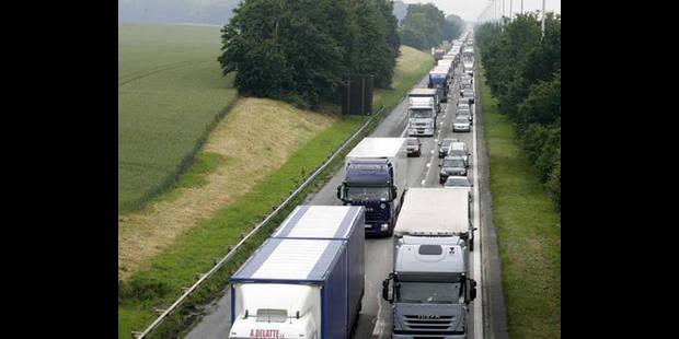 Les routiers en colère ralentiront le trafic autoroutier le 24 septembre - La DH