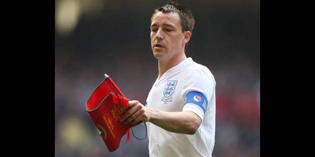 Hodgson sauve la tête de Terry - La DH