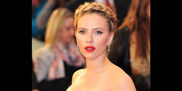 """Scarlett Johansson: """"J'adore m'acheter des petites culottes!"""""""