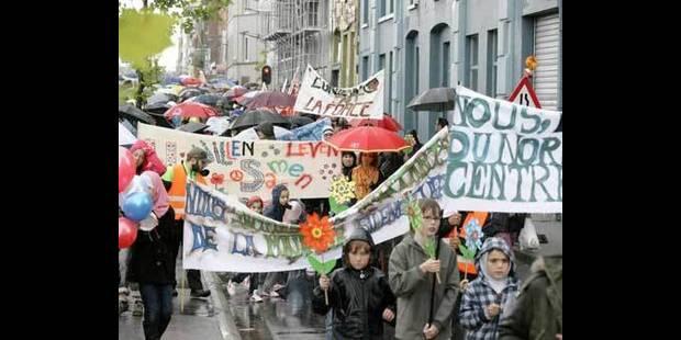 300 personnes marchent pour la paix à Molenbeek - La DH